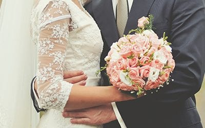 Average Canadian Bride Spends $20,000 on Her Wedding: 5 Ways to Make Your Wedding More Affordable